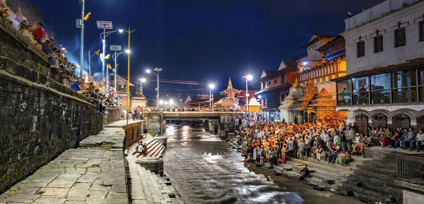 experience-an-aarti-ceremony-at-pashupatinath-temple