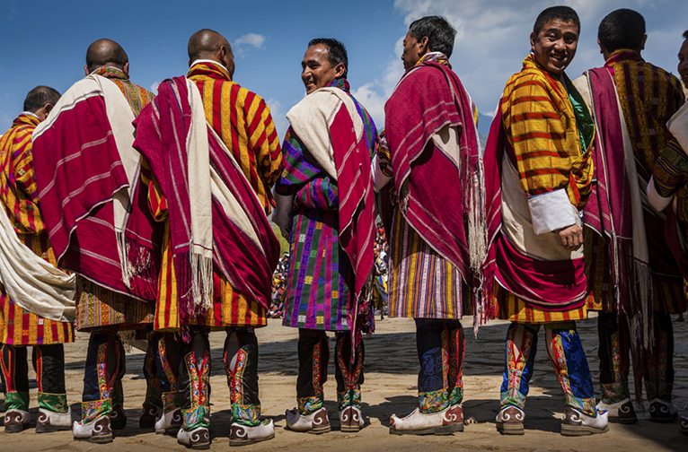 the-traditional-distinctive-dresses-of-bhutan